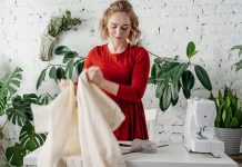 how to oil and clean your sewing machine